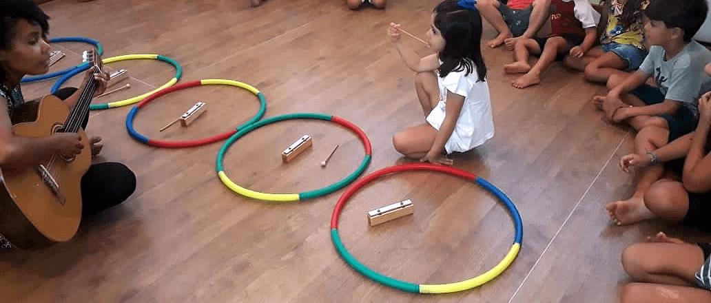 Barras Sonoras na musicalização infantil